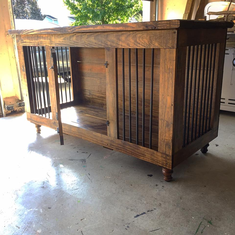 Pallet Dog Kennel Ideas