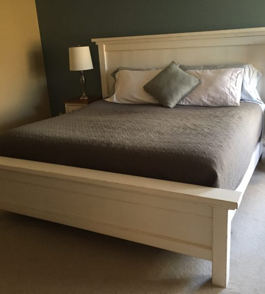 king-farmhouse-bed-1