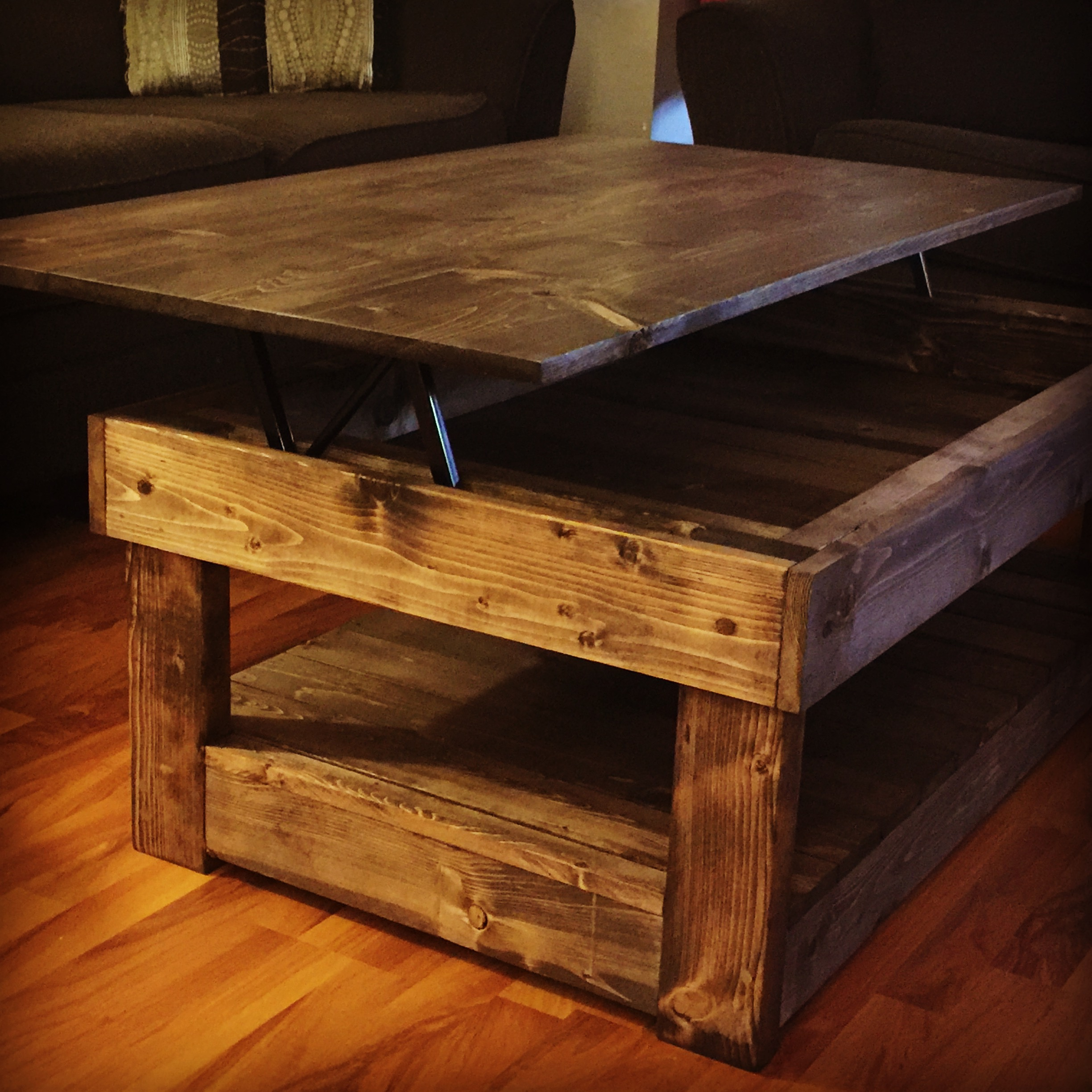 Rustic lift top coffee table pine main Lifting top coffee table