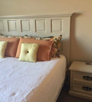 headboard-reclaimed-door