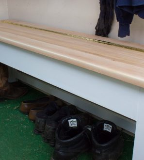 2013-02-15 Storage bench (8)